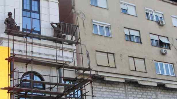Skopje Fassade alt u neu klein