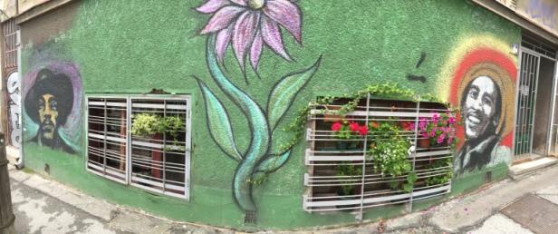 BG Street art Hendrix alt