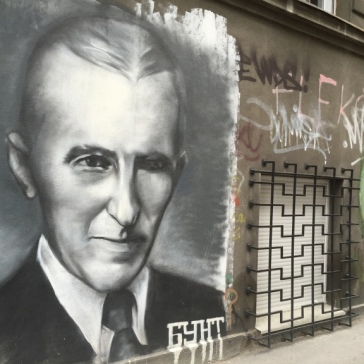 BG Street Art Tesla alt