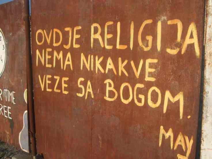 Mostar Street Art Religion Bauzaun