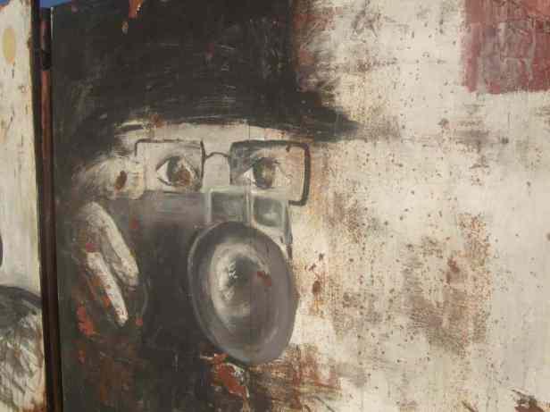 Mostar Street Art Spion 1
