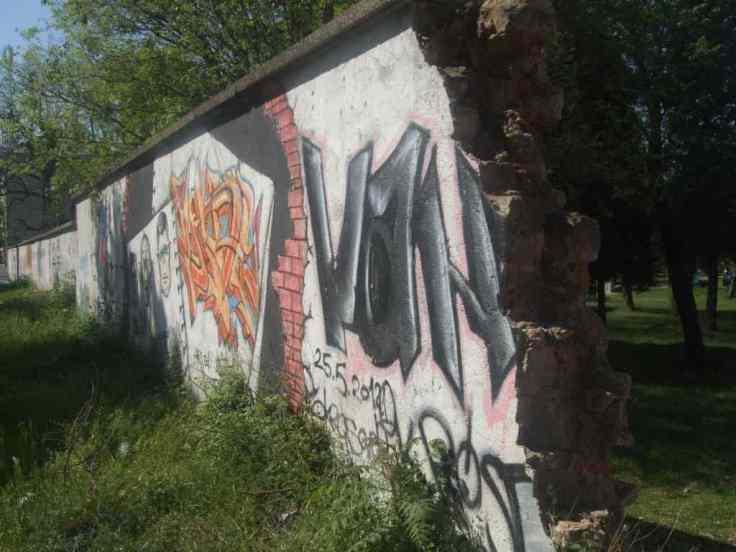 Mostar Street Art Uni Ende der Mauer