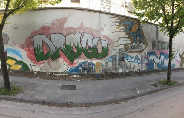 Mostar Street Art JVA Wand breit