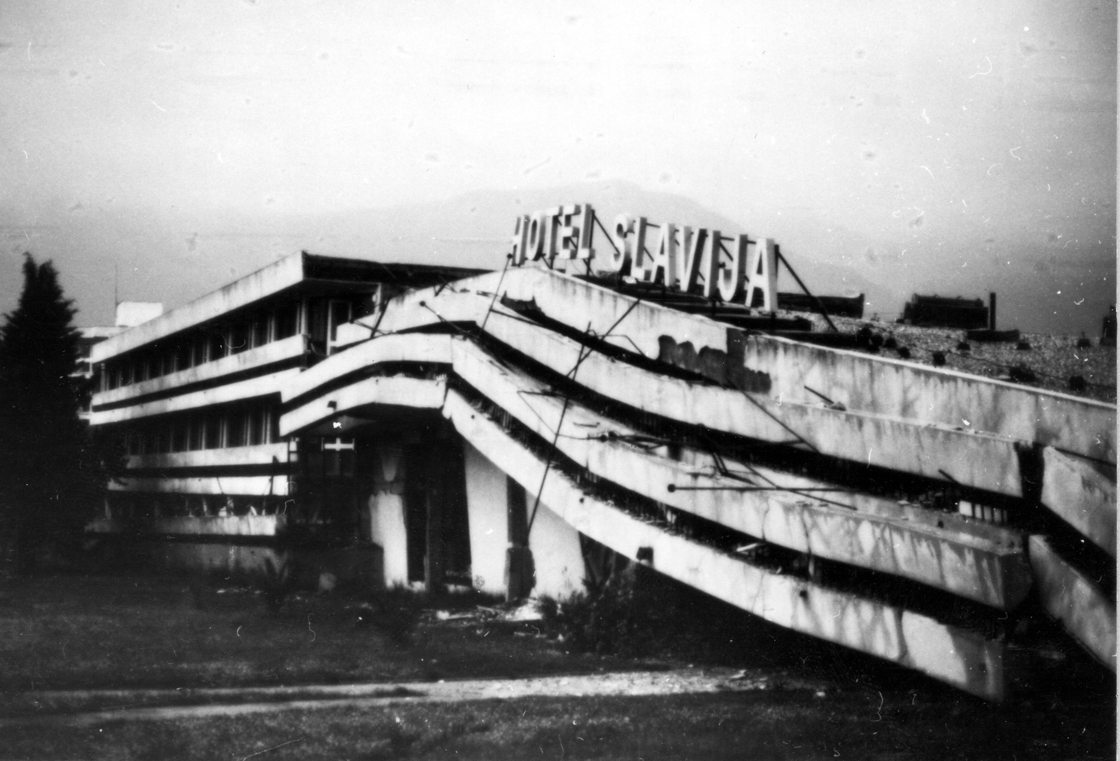 Hotel_Slavija,_1979_Yugoslavia_Earthquake